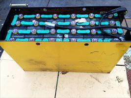 工業バッテリー